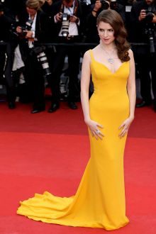 anna kendrick yellow cockail celebrity prom gown at cannes film festival 2016 red carpet