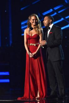 chrissy teigen celebrity strapless sweetheart a line chiffon dress billboards 2015