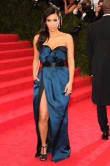 kim kardashian navy blue satin strapless red carpet prom dress met gala 2014
