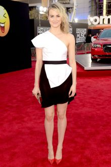 taylor schilling cute black and white cocktail eveing dress american music 2014