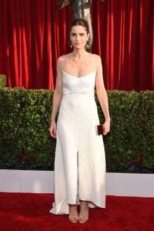 amanda peet ivory satin casual hi lo prom dress screen actors guild awards 2016