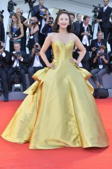 zhang yuqi gorgeous gold satin red carpet ball gown venice film festival 2016