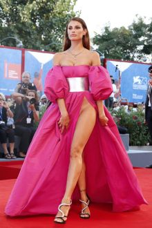 dayane mello sexy fuchsia prom dress venice film festival 2016 red carpet