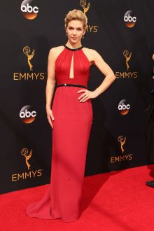 rhea seehorn sleeveless beaded jewel neck fuchsia evening prom dress emmys 2016