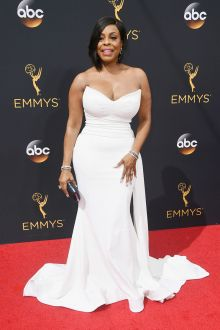 niecy nash plus size tight fitting white satin mermaid prom gown emmys 2016