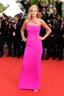 lara stone fuchsia spaghetti strap column long evening prom gown cannes 2015