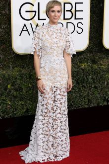 kristen wiig elegant short sleeve high neck venice lace dress golden globes 2017