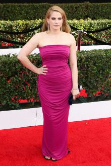 strapless ruched fuchsia column long prom dress anna chlumsky sag 2017