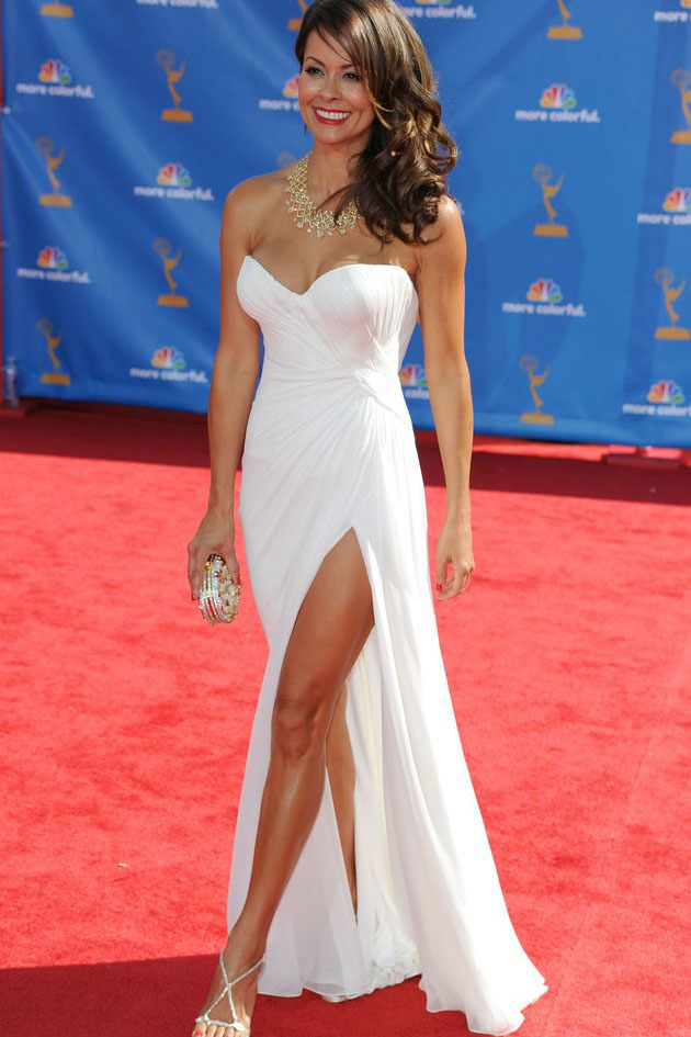 brooke burke red carpet dress strapless white chiffon side slit prom gown