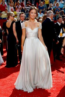 jessica szohr hollywood red carpet dress cap sleeve pleated silver chiffon