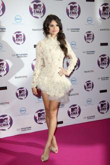 selena gomez white sweet 16 short party gown mtv europe music awards